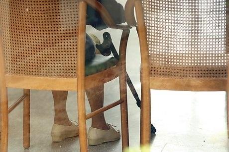 chair_elderly_stick_falls_460.jpg
