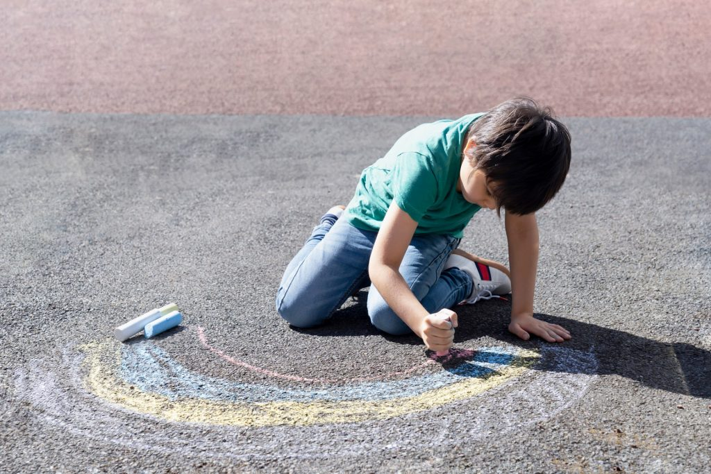 儿童着色-nhs-nainbow-for-covid-campaign-1024x683.jpg